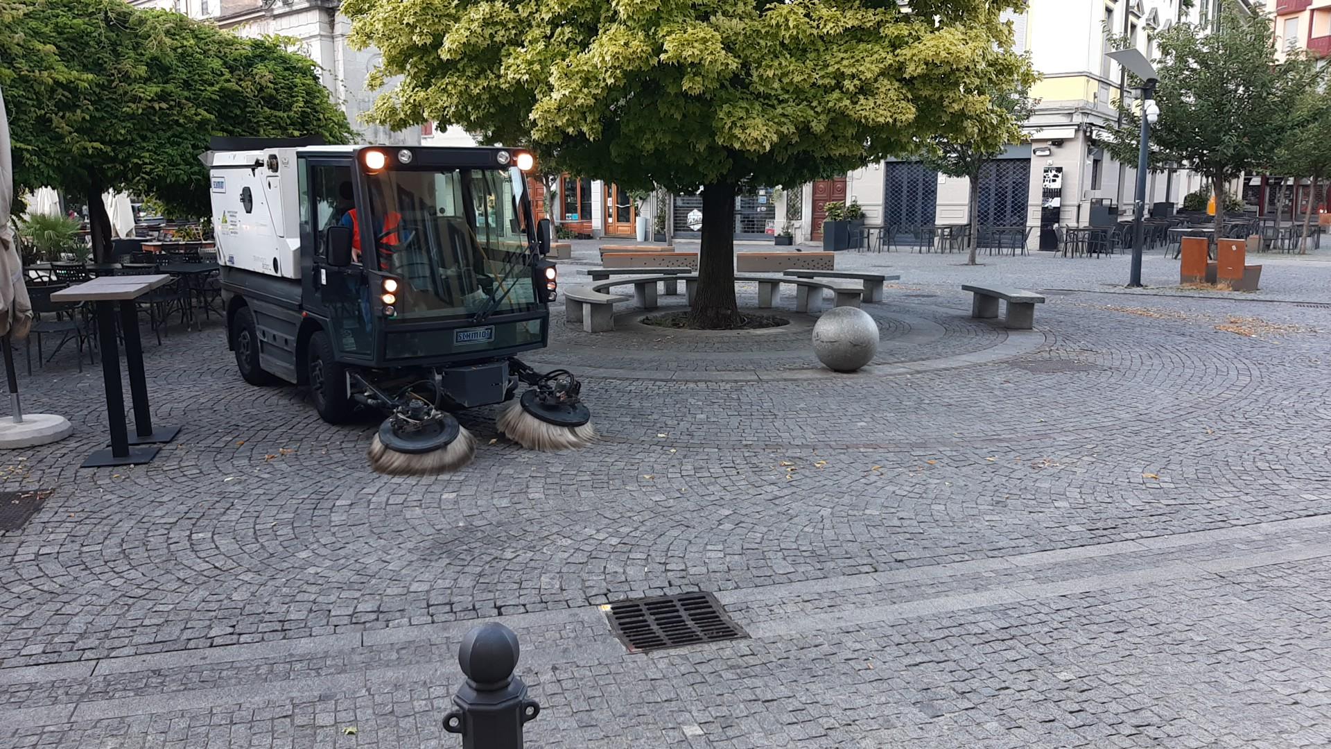 Como – I lavori di Aprica dopo la movida del sabato sera - foto 3